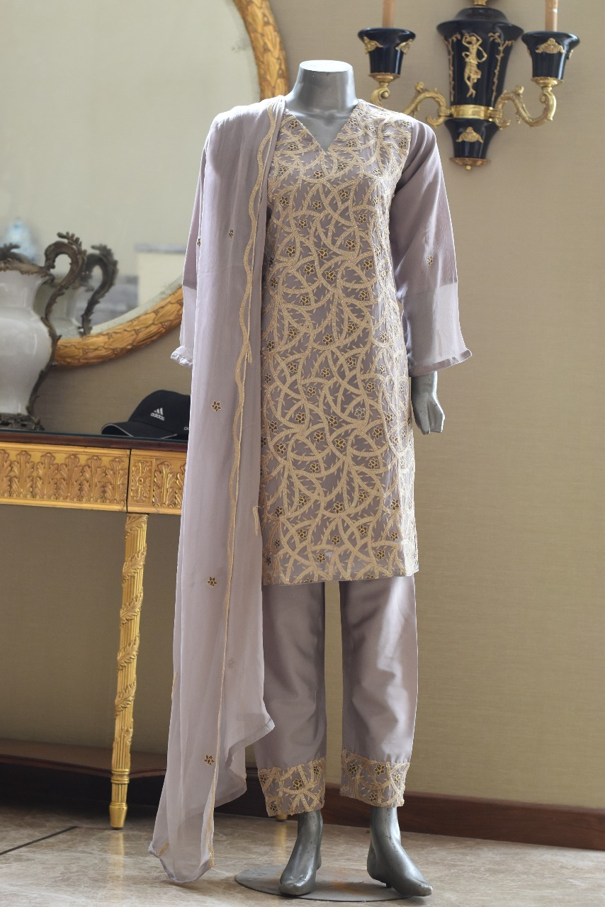 Pakistani Fancy Dresses with Prices 1